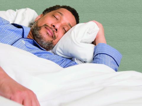 Keyvisual_Lyric_CAN_Man_sleeping_S