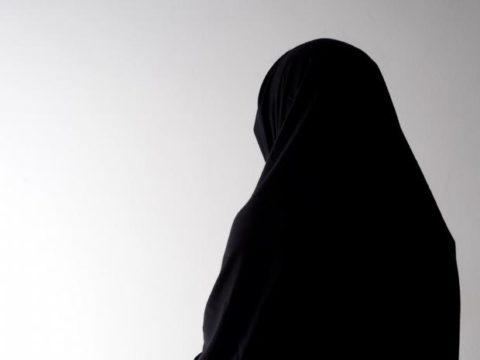 خلع الحجاب مصطفى البدري
